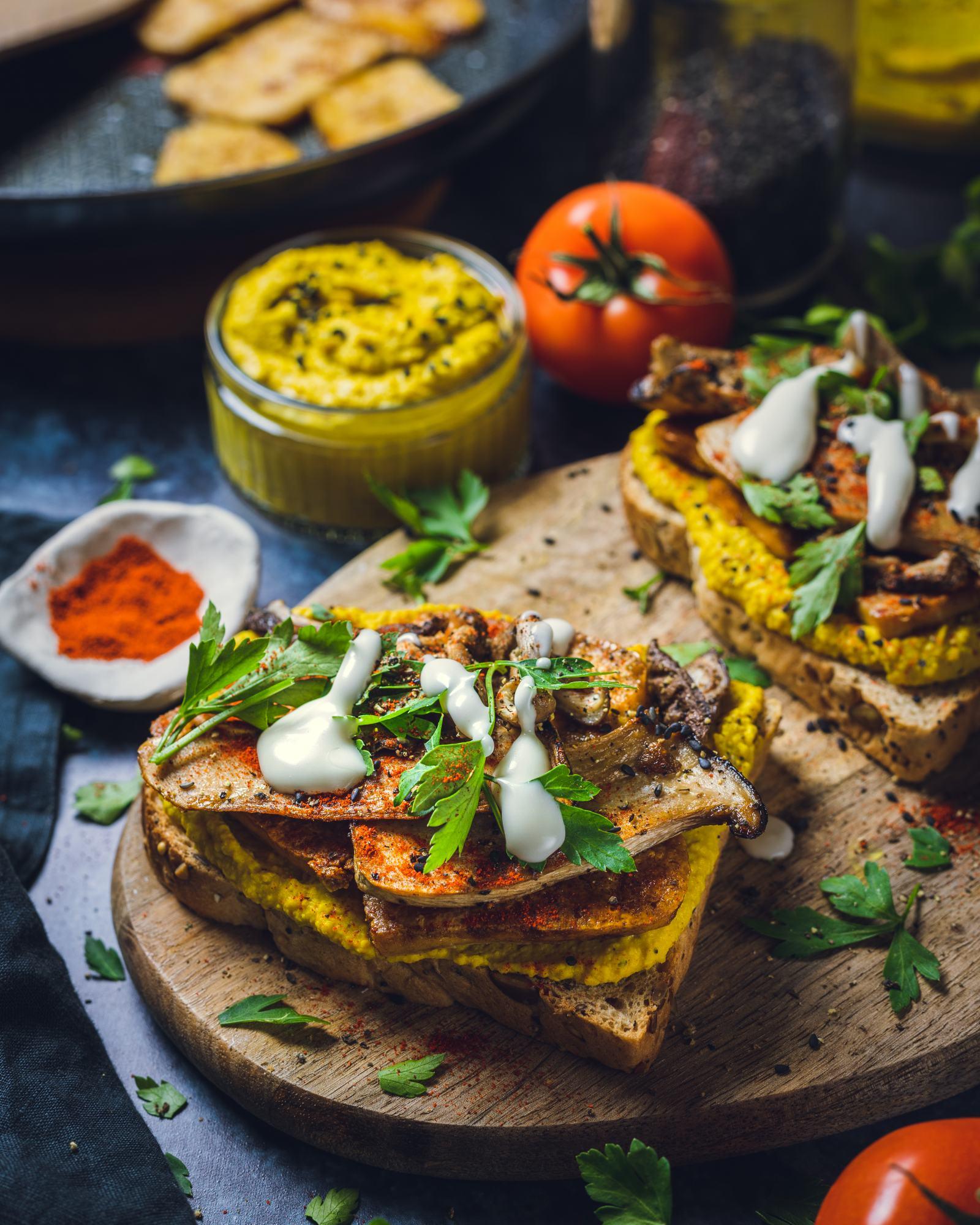 Curried Hummus and Tofu Sandwich